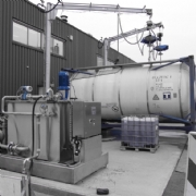Tank Services Pernis (TSP) neemt een nieuwe Gröninger latex- en hars recirculatieinstallatie in gebruik.